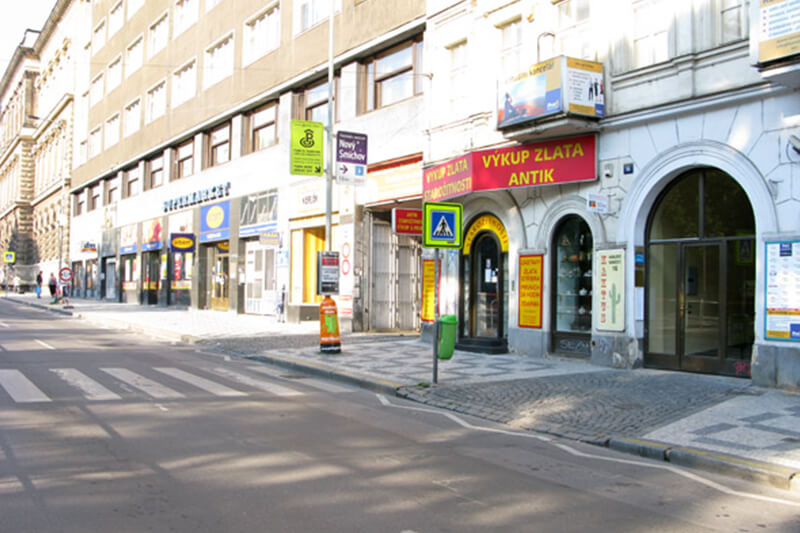 Turn right into the gateway to Central Parking Prague garage.