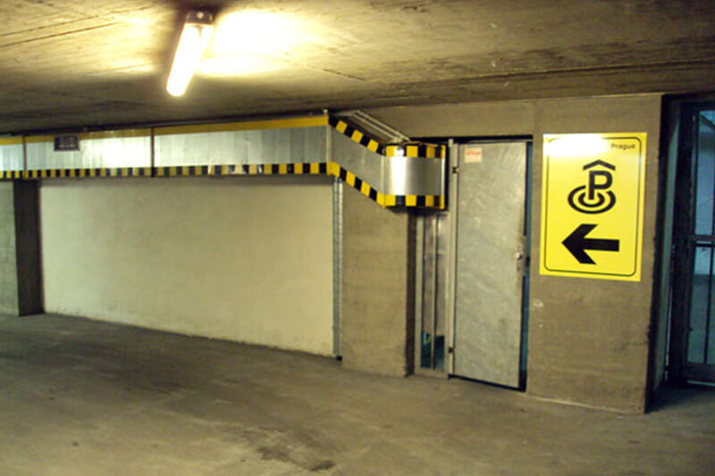 Parking available at the level -1.